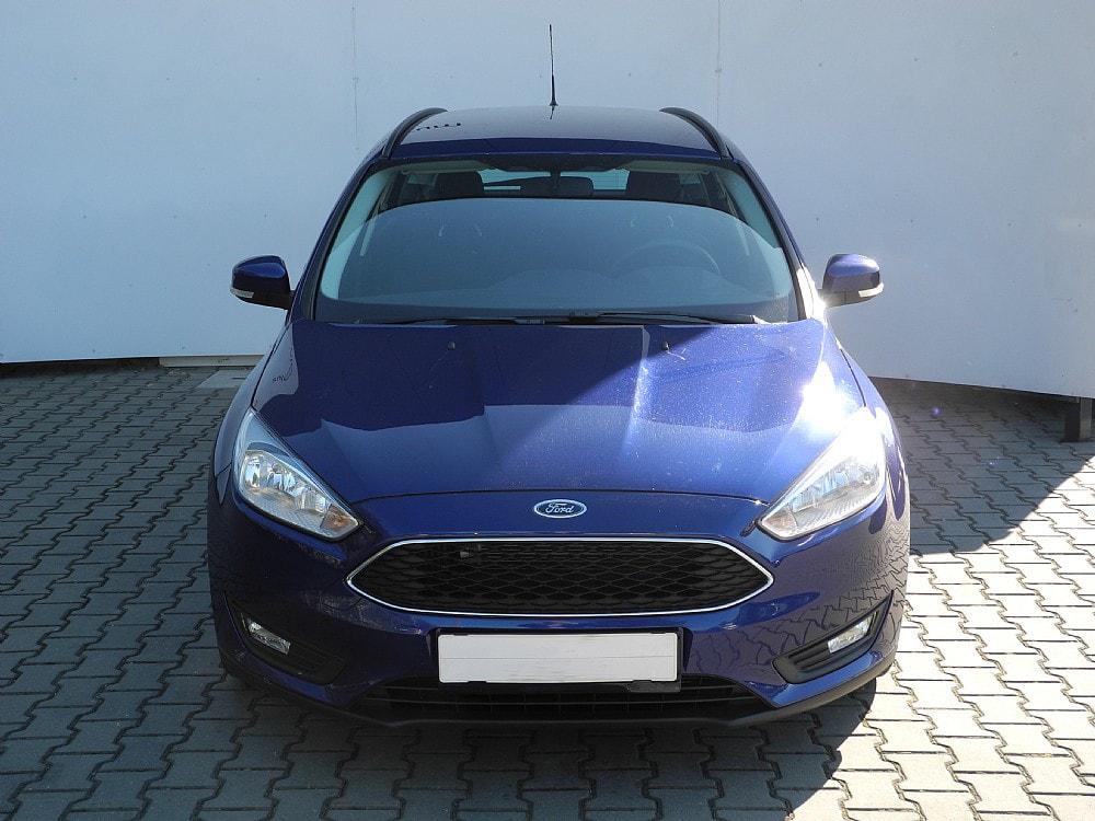 rent ford focus spacious wagon car rental prague. Black Bedroom Furniture Sets. Home Design Ideas
