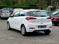 Car rental Hyundai i20 AT in Prague