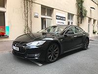 Car rental Tesla Model S P85D in Prague