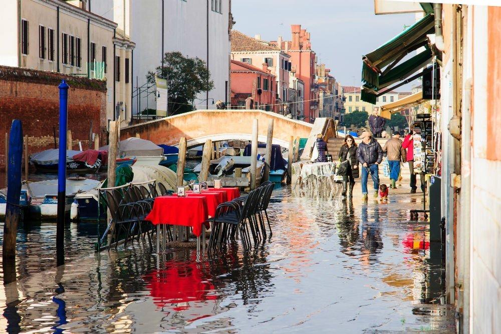 Авто на прокат в Праге и доехать до Венеции