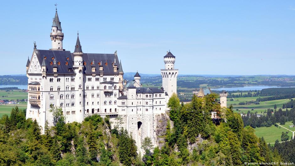 Арендовать авто в Праге и доехать до Замок Нойшванштайн