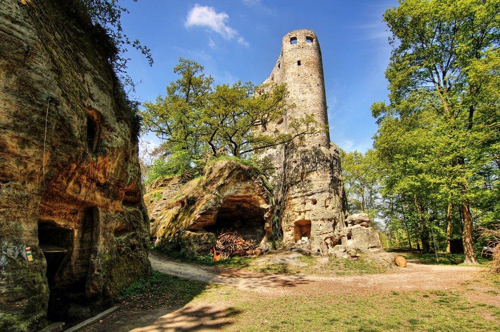 hrad-valecov-radovan-raspl-001