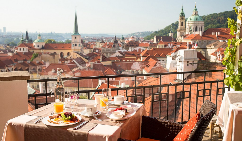 Restaurants and cafes in Prague, let us recommend!